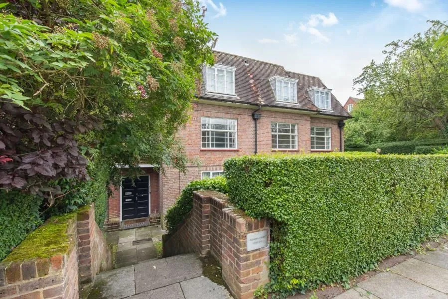 Falloden Court, Brookland Rise, London, NW11 6DH